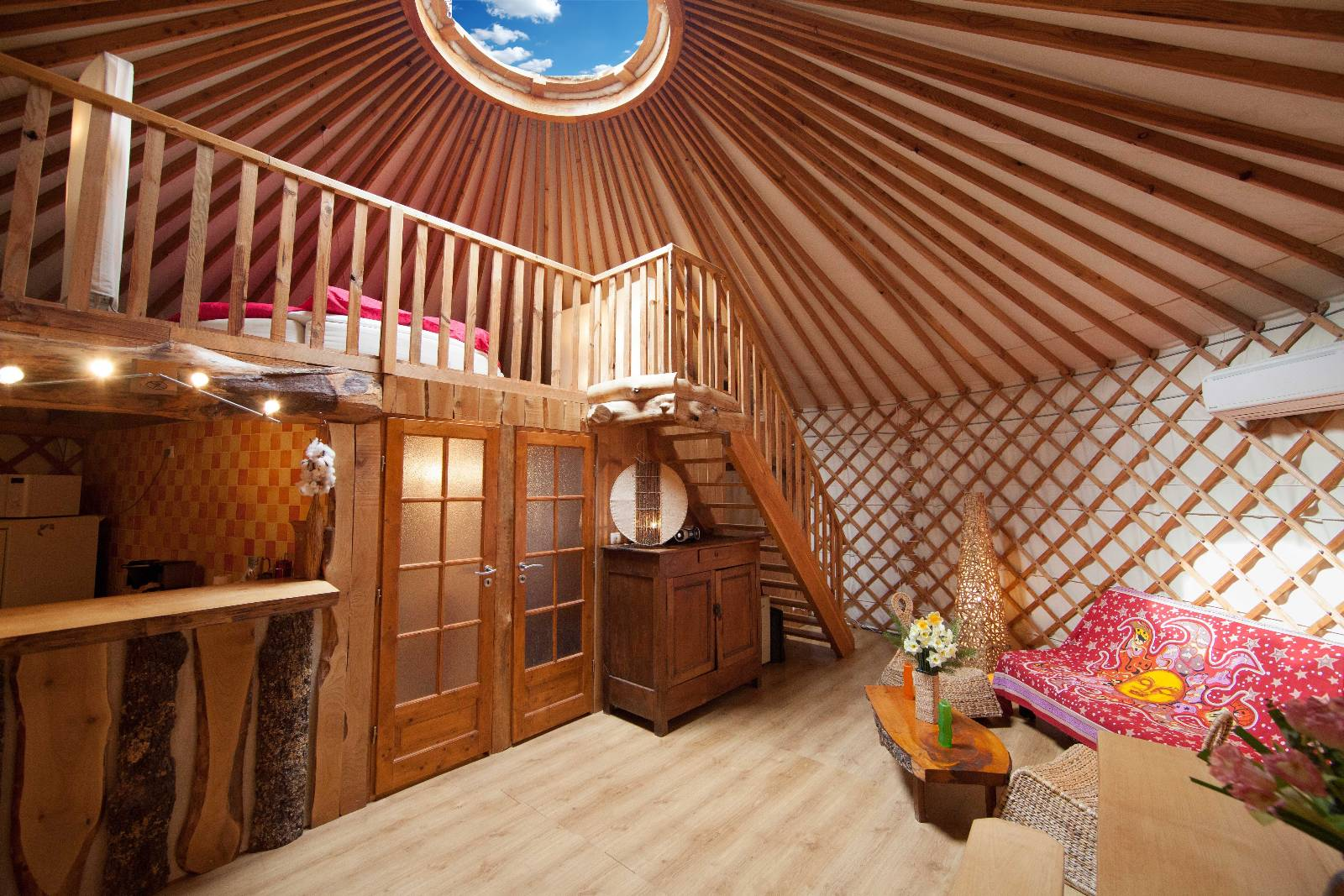 la contemporaine yourte cantal. Black Bedroom Furniture Sets. Home Design Ideas